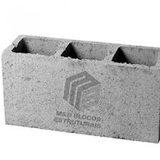 O primeiro passo é juntar os blocos de concreto. Bloco De Cimento No Jardim Europa M B Blocos Estruturais
