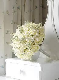 ivory rose bouquets for weddings