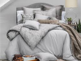 how to make your bed look like a romance novel