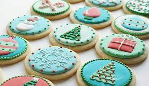 Christmas cookies are the perfect way to celebrate the holiday in 2020. 10 Ways To Decorate Your Christmas Cookies Like A Pro Brit Co
