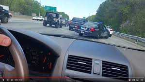 Driver A Gets To Instant com Shoulder Dose Escape Karma Using Traffic Of After 12news