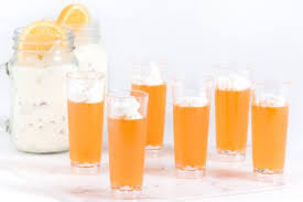 creamsicle jello shots with the cocktail