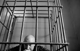 Не служба а косяк Вот вам два примера В 2009 году Новая писала про Светлану Сухорукову которая получила пять лет колонии за следующее деяние