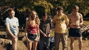 This film was released internationally on netflix on october 28, 2020. Filmbericht Nobody Sleeps In The Woods Tonight Irrenhaus Deutschland