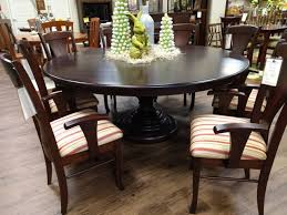 72 round global pedestal table