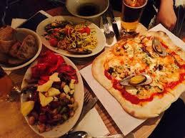 Leicht ruhezeit des den griechischen joghurt gemeinsam mit dem olivenöl in eine schüssel füllen. Pizza Romeo From Munchen Menu