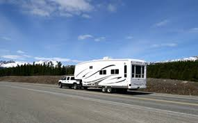 Small Picture Travel Trailer vs 5th Wheel 23 differences to know before buying