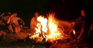 Bildergebnis für indianer am lagerfeuer