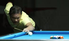 File:Efren Reyes in the World 9-Ball Pool Championship (4).jpg - Wikimedia  Commons