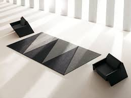 overlap rug by vondom outdoor rugs