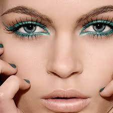 fortunate las who have gorgeous green eyes then you can make your eyes look even more beautiful by just using the right kind of green eye makeup