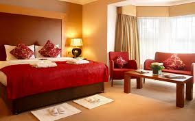 Modern Romantic Bedroom Bedroom Flower Pillow Red Blanket Thick Comforter Rectangle Table