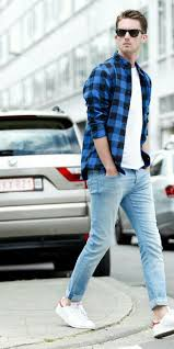 What To Wear With Light Blue Jeans Men 5 Amazing White T Shirt Jeans Outfits For Men Blue Jeans