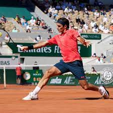Roger Federer eases to comfortable win ...