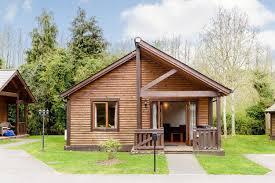 luxury lodges hot tubs uk. log cabins in surrey with hot tubs luxury lodges uk