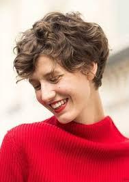 Vystřižený účes Pro Kudrnaté Vlasy Kudrnaté Vlasy Styling účesy