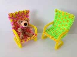 Pipe cleaner chair for a dollhouse - DIY video tutorial by  PipeCleanerCrafts B