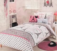 paris chic eiffel tower pink white queen quilt cover ed sheet 4 cases 2 cush