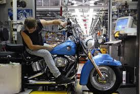 harley davidson offers factory tours in three locations