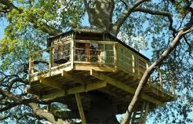 bespoke treehouse hideaway