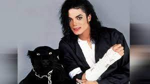 مايكل جاكسون  دخل موسوعة جينيس أكثر من 21 مرة .. ألبوماته الأكثر مبيعًا  عالميًا
