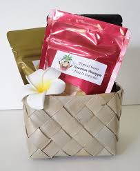 all our gourmet hawaiian gift baskets are hand selected from the finest local s to bring the hawaiian aloha into the recipients home and heart