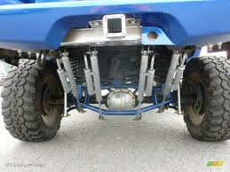 2003 Chevrolet Avalanche 1500 4x4 Four rear shock absorbers Photo ...