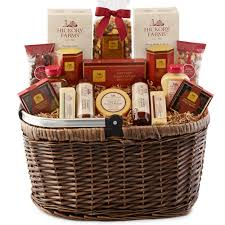 hickory farms picnic basket includes sausage cheese mustard ers nuts and