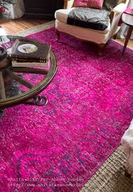 there are enough color variations that i can used pinks reds and plums with this rug and enjoy some versatility for