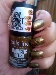 nail polish with special effects