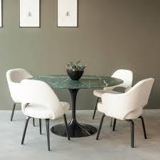Image of: Saarinen Dining Chair Set
