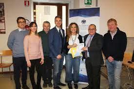 ConfcommercioPisa dona un nuovo defibrillatore all'Istituto Matteotti di  Pisa - PISANEWS