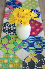 Free Table Runner Patterns Awesome 48 Show Stopping Free Table Runner Patterns SewCanShe Free