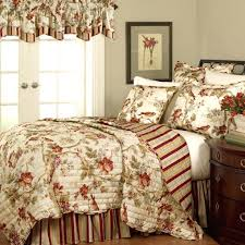 country bedroom quilts and curtains country quilts and curtains berry um small country style bedding and