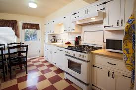Timeless Retro Cottage Kitchen Design Ideas And Other Terrific Amazing Timeless Kitchen Design Ideas