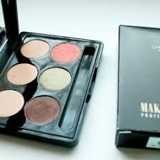make up studio concealer box