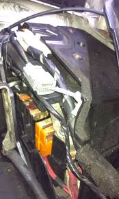 location of nearside front sidelight fuse scenic 2 renault Fuse Box Access With Pics Renault Forums Scenic re location of nearside front sidelight fuse scenic 2