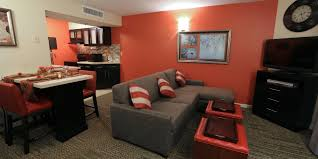 Orlando 2 Bedroom Suite Hotels Cheap 2 Bedroom Hotels In Orlando Fl Doubletree By Hilton Hotel