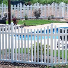 Vinyl picket fence Dog Ear Vinyl Picket Fencing Superior Plastic Products Home Guides Sfgate Vinyl Picket Fencing Superior Plastic Products Inc