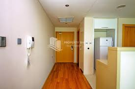 Foyer 1 Bedroom Apartment, With Good Investment Now For Sale