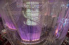 las vegas vlog walk thru chandelier bar at cosmopolitan hotel