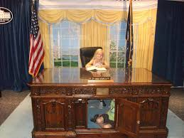 desk in oval office. Image Of: Oval Office Desk Resolute In B
