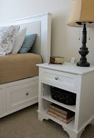 Lamps For Bedroom Nightstands 17 Best Ideas About White Nightstand On Pinterest Side Tables
