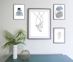minimalist scandinavian gallery wall