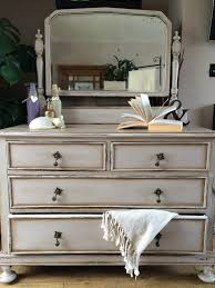 annie sloan old white with french linen chalk paint finished with dark wax