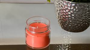 how to make a candle with essential oils