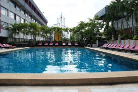 hotel outdoor pool. First Stop Was The Ambassador Hotel On Sukhumvit Soi 11 Gives A Health Club Pass Including Gym, Steam, Sauna And Outdoor Pool At 350 Baht Per Day.