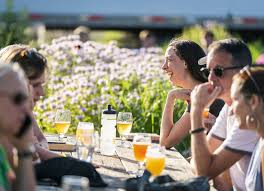 Light Rail Pub Crawl Minneapolis Follow This Light Rail Beer Crawl Along The Green Line From