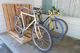 picture of simple pallet bike rack