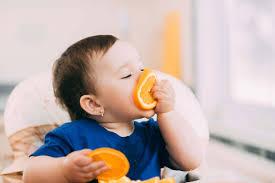 Cho trẻ em uống nước cam mỗi ngày có tốt không?